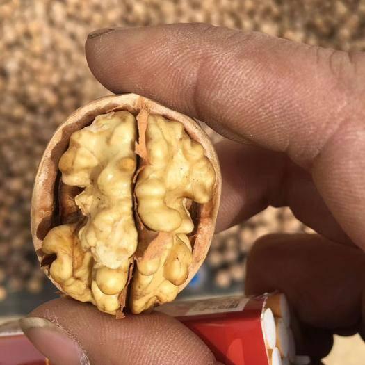 山西省忻州市原平市薄皮核桃 五斤裝包郵45元無漂白,果肉飽滿,口感香甜2019年的新貨