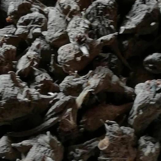 云南省丽江市玉龙纳西族自治县炮附片  黑附子,干个统货