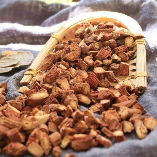 吉林省通化市通化县丹参 ,具有降糖降脂,防血栓, 去瘀止痛,活 血护肝。