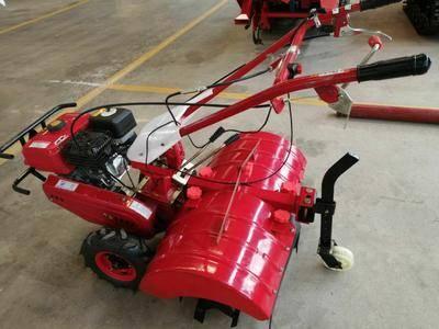 山東省濟寧市任城區 用在農田里的旋耕機