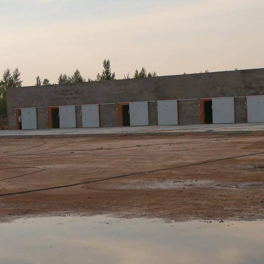 陜西省榆林市靖邊縣庫房(封閉式倉庫)租賃 現有占地20畝蔬菜收購點對外招商