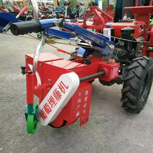 山东省德州市宁津县 手扶拖拉机配套的葡萄埋藤机