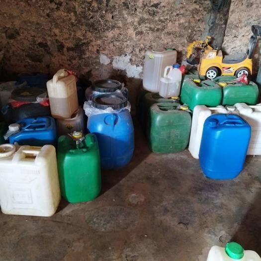 云南省紅河哈尼族彝族自治州彌勒市其它農資 桉油,長期出售精品桉油