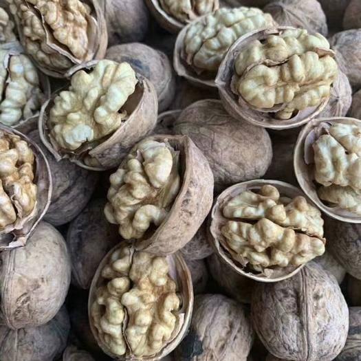 山西省忻州市原平市 農家原生態薄皮核桃,沒有漂白,食用健康,歡迎大家選購!