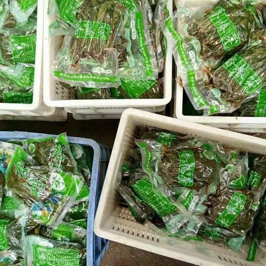 山東省濰坊市臨朐縣開胃菜 頭茬當年香椿芽  鮮而不貴  樹上美味 質量保證 安全可靠