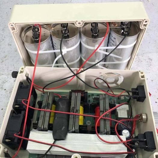 云南省紅河哈尼族彝族自治州金平苗族瑤族傣族自治縣 地龍儀,鋰電池,開肚機全套地龍加工設備