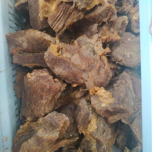 湖北省武漢市黃陂區 貨真價實,新鮮現鹵牛肉,五香麻辣兩種口味隨便選擇。