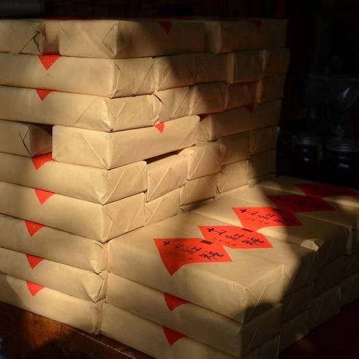 云南省普洱市思茅區手工糖 來自云南普洱緬甸交界的純手工土紅糖