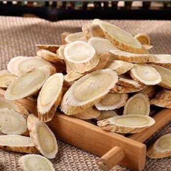 甘肅岷縣西北小農家中藥材廠種植黃芪切片0.6左右