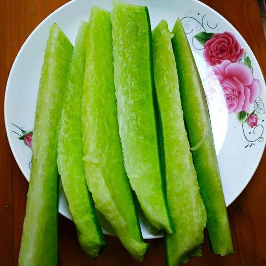 山东省潍坊市寿光市 潍坊青萝卜,基地自产自销,有机种植,茬绿口感好,一件代发。
