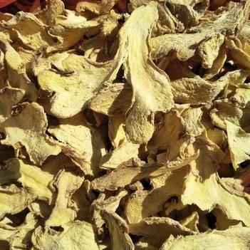 小黃姜干姜片 云南正宗小黃姜,新鮮黃姜現烤。品質上乘。