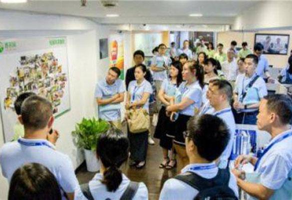中国国际电子商务中心培训学院专家团队考察惠农网