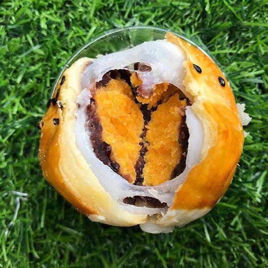 广西壮族自治区南宁市横县 (1盒6枚330g)海鸭蛋蛋黄酥西式糕点休闲零食批发一件代