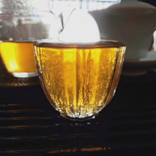 云南省普洱市思茅区 2006年普洱生茶,后期转化好,汤色金黄、生津明显、回甘好有