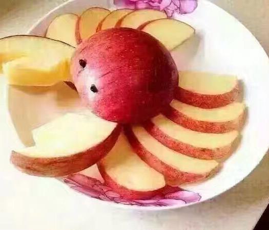 山西省運城市臨猗縣 施有機肥喝黃河水的黃土高坡富硒冰糖心蘋果,汁多味甜!