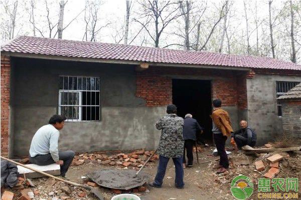 目前农村房屋垮塌的原因主要分为了两类:    1.