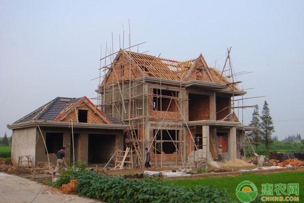 农村宅基地收费标准出台啦!来看看你家要交多少?