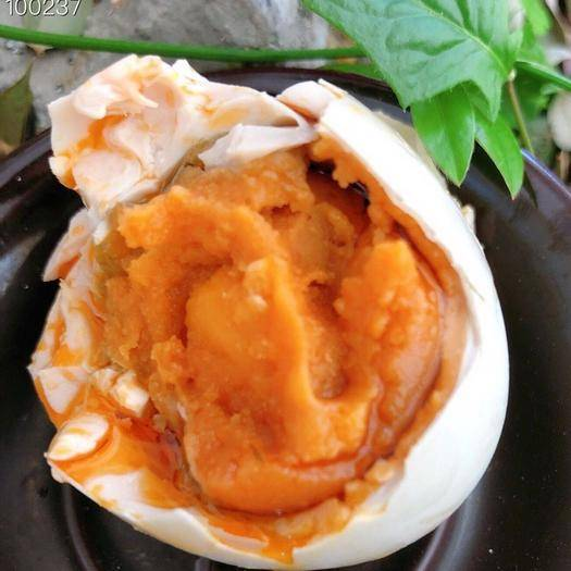 北海銀海區 北??鞠跳喌?0枚/箱.70-80g/枚的大蛋,蛋黃流砂