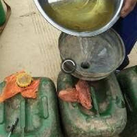 元阳县 农家自栽自烤的香茅油,无添加剂,纯精油