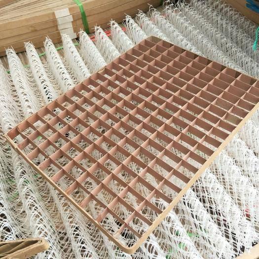 广西壮族自治区河池市宜州区蚕用方格簇 162孔180孔养蚕专用方格簇防水施胶纸心厂家直销