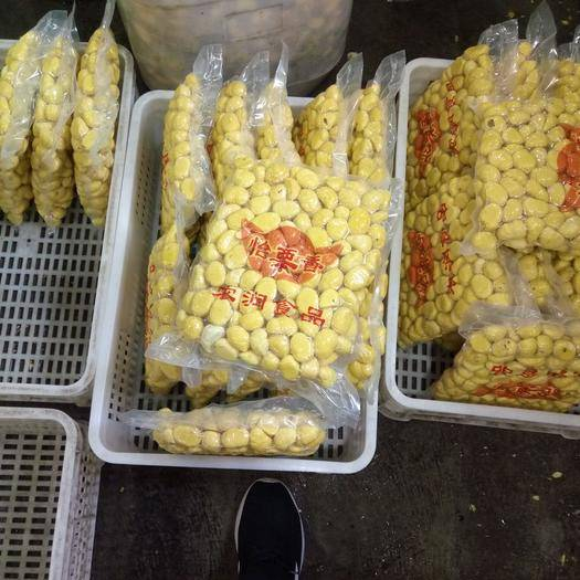 瑞金市 江西省瑞金市有大量半斤1斤,5斤真空包裝帶干燥劑鮮板栗出售
