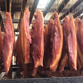 腊肉烟熏后腿腊肉(厂家直供证件齐全)