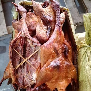 腊鸭整只湖南烟熏腊鸭肉(厂家直供,证件齐全)
