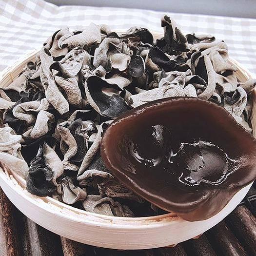 牡丹江东宁市东北黑木耳 黑龙江秋耳/包邮 胶原蛋白丰富 无根肉厚