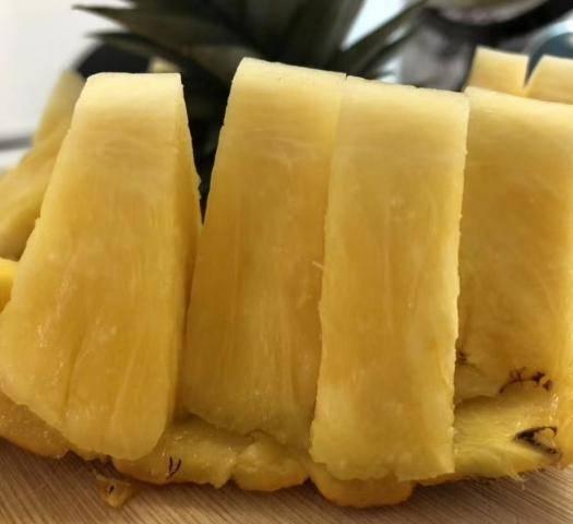 澄迈县 金菠萝海南新鲜当季水果郭博士超甜菠萝果园现摘包邮