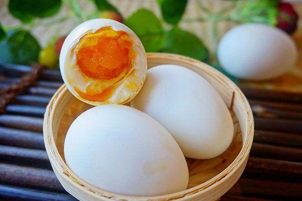 咸鸭蛋价格多少钱一斤?咸鸭蛋食用禁忌有哪些?