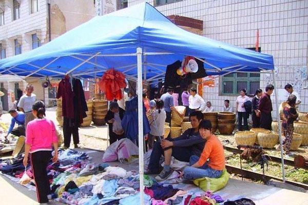 27地设摊贩规范点发展地摊经济,都出台了哪些政策?