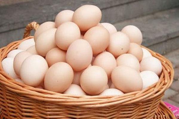 鸡蛋价格一个月飙涨逾六成是什么原因?8月还会涨吗?