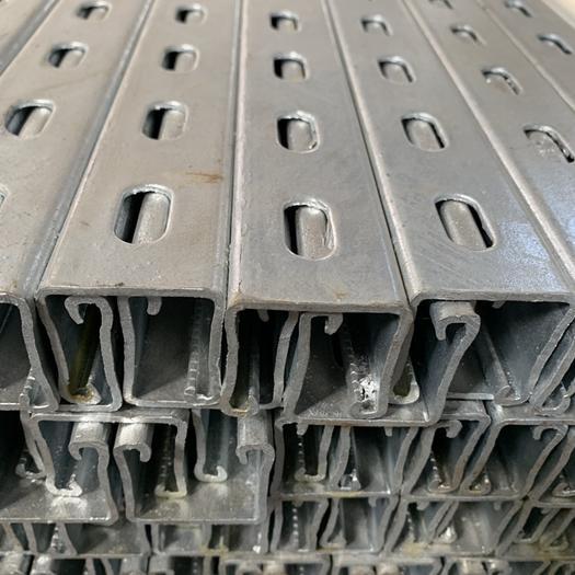 天津市静海区水管 光伏支架及配件,各种钢材,需要的联系我。